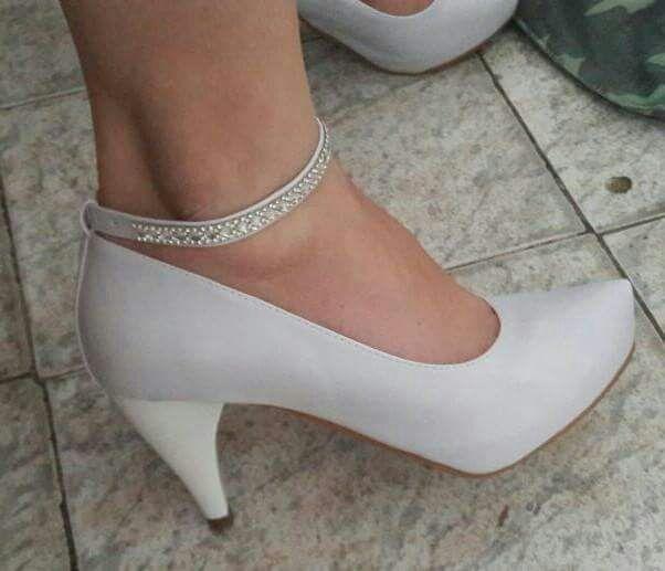 5f10aa1ae8 Sapato Meia Pata Branco Strass - Eu Uso K Dutra